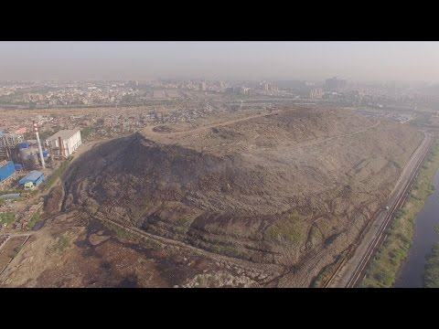 Massive Indian Landfills are Mistaken For Mountains
