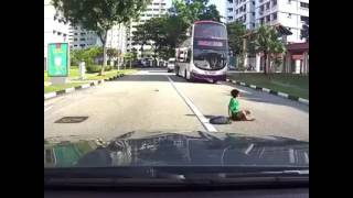 Accident at jurong west little boy get hit by car