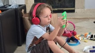 Headphones May Cause Hearing Problems for Kids