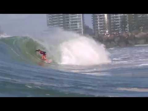 Lakey Peterson Wins 2018 Roxy Pro Gold Coast at Kirra