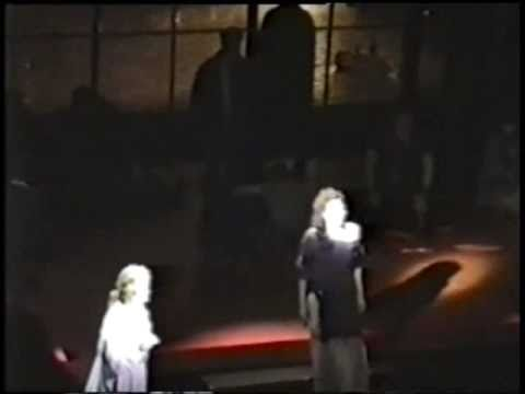 Christiane Noll & Linda Eder - In His Eyes (Broadway).wmv