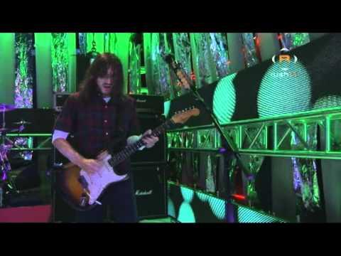 Red Hot Chili Peppers - Dani California - Live at Fuse Studios