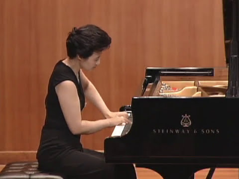 Pianist Hie-Yon Choi plays Beethoven 6 Bagatelles for piano, Op.126