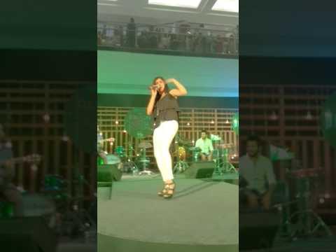 Sau Tarah Ke, Jonita Gandhi live at SGC - Seawoods Grand Central Mall, 9th April 2017