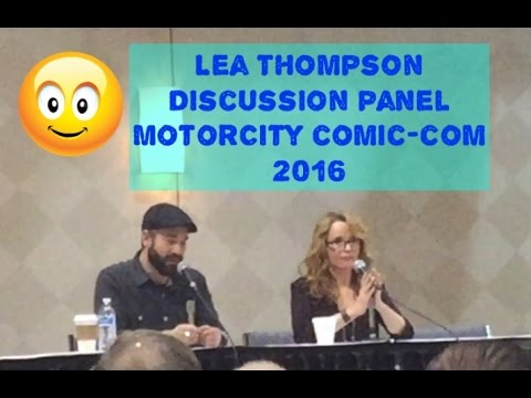 Lea Thompson Talks Harrison Ford, Jaws 3, Howard The Duck, and Back to the future! Discussion Panel