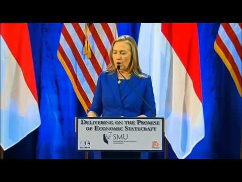Hillary Clinton Promotes the TPP in Singapore 11-17-2012