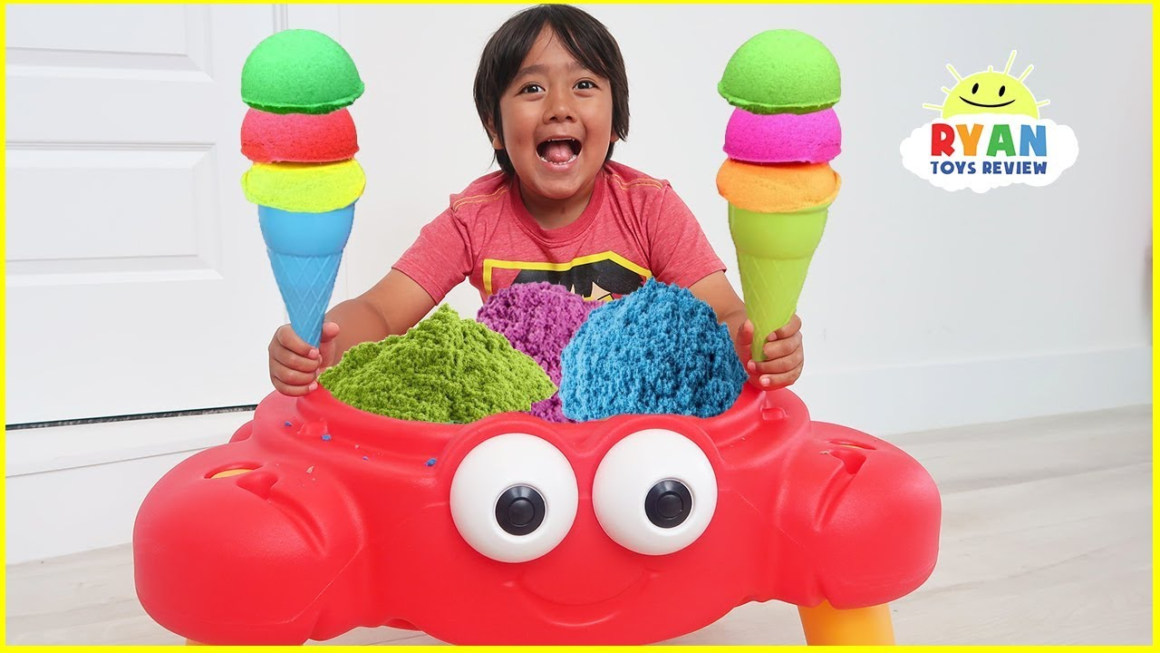 Ryan Pretend Play Selling Ice Cream Sand Toy from Crab Shop!!!