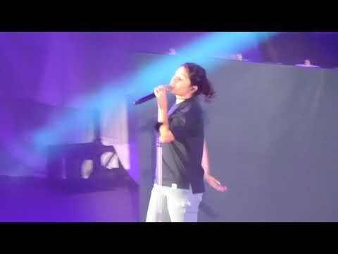 Alessia Cara - Scars To Your Beautiful (Hollywood Bowl, Los Angeles CA 10/21/17)