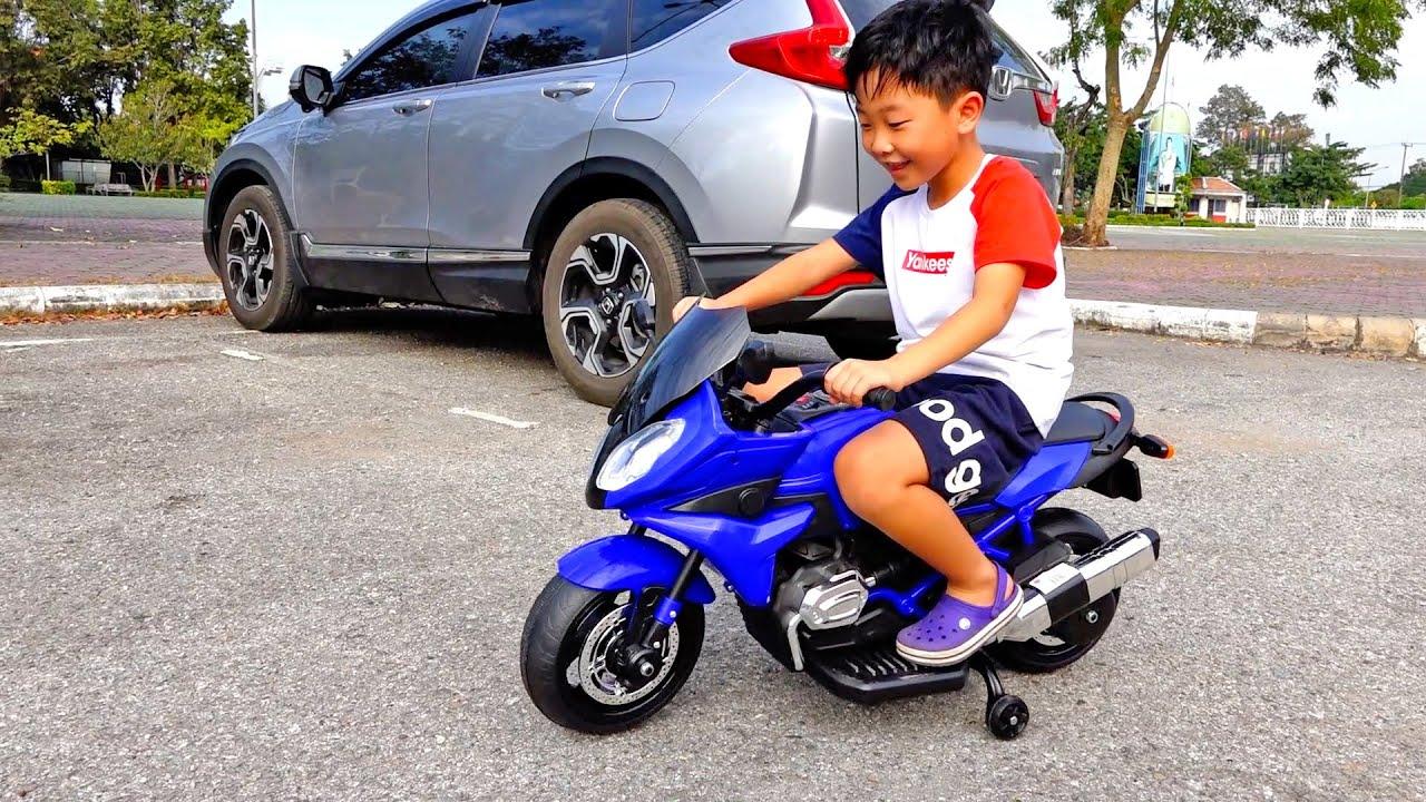 예준이의 자동차 장난감 조립놀이 슈퍼바이크 트럭 놀이 Power Wheels Car Toy Pretend Play