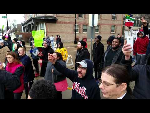 Donald Trump Racine Wisconsin 2016 supporters and protestors