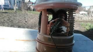 как легко открыть крышку топливного насоса на рено логан