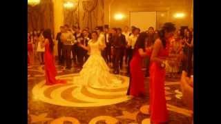 Танец подруг невесты на свадьбе Азиза и Гульзары 24/06/2012