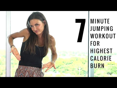 A 7-Minute Jumping Interval Workout That Torches Calories and Gets Your Heart Pumping
