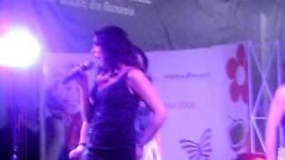 Andra-Dragostea ramane(Concert Braila-Mall)*17-ian-2010*