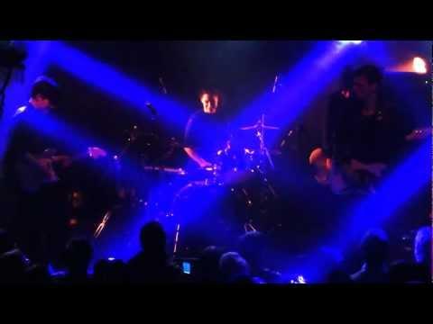 SAVAGES + GUEST JOHNNY HOSTILE (LESCOP) - HIT ME - LIVE PARIS @ LE NOUVEAU CASINO - 23/02/2013