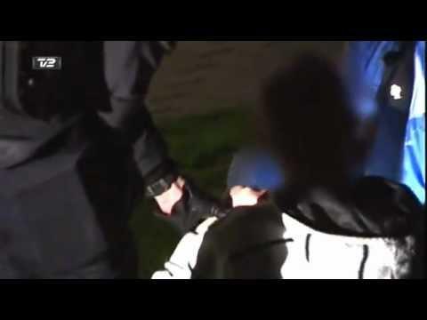 Skæv mand fra Slagelse har en kæmpe fest under anholdelse