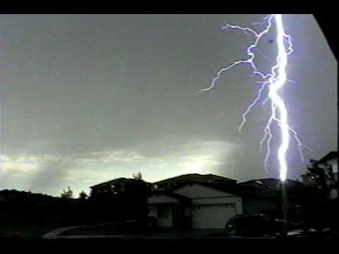 Lightning in Reno, Nevada - YouTube