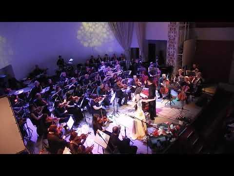 Tetyana Sporynina: DSCN0114Співає Лучіана Гакман. Концерт у Чернівцях. Фрагмент І