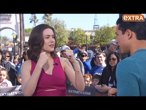 'The Blacklist's' Megan Boone s Mario Lopez How to Take a Fake Punch