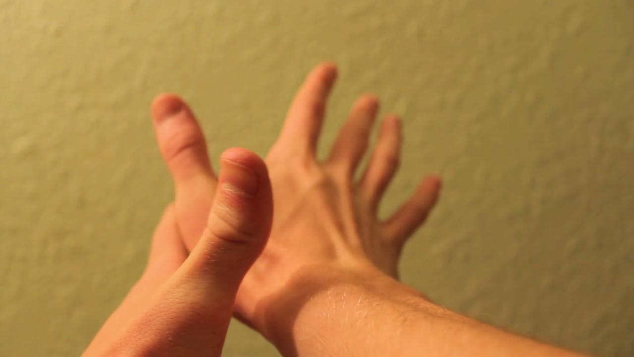 Фото жену пальцем в попу