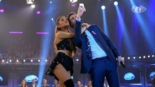 Swedish Idol Host Takes Selfie With Ariana Grande - Idol Sverige (TV4)
