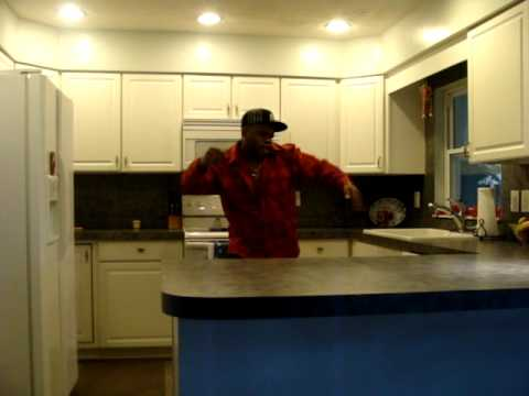 K-sweezy is in the kitchen AGAIN..another ''LOWBUDGIT PRODUCTION''
