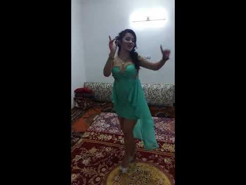 رقص ایرانی دختر شاد خوش هیکل thumbnail