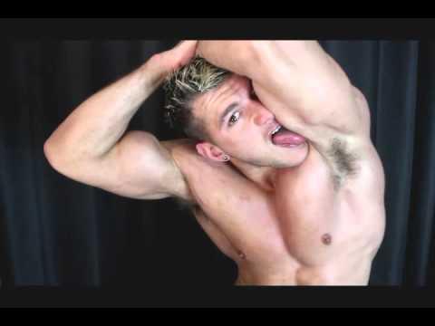 Видео лизать волосатые подмышки это