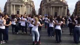 """FLASH MOB """"KIZOMBA LATIN PROJECT"""" ROMA 2015 PIAZZA DE POPOLO 19 APRILE"""