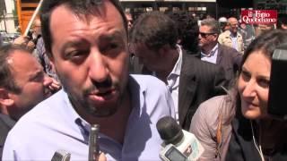 Lega, Salvini contestato a Napoli: deve andarsene con la Polizia thumbnail