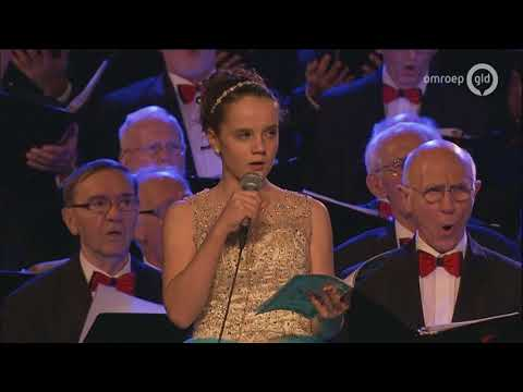 Stille Nacht / Silent Night (Amira Willighagen & Royal Men's Choir Of The City Of Nijmegen)