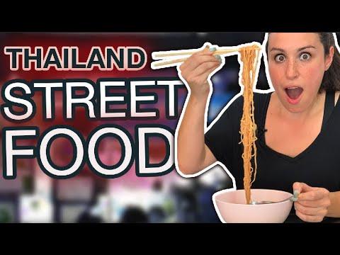 We Find The BEST Local Thai Street Food // Day Market Bangkok