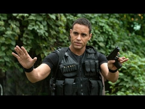 Daniel Sunjata on DARK KNIGHT RISES & Wardrobe Swag!
