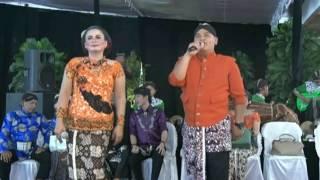 Lampung Ngayogyo pendopo kang tedjo( Mas Bambang & Mba Siska )