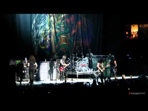 SLASH - Anastasia and Sweet Child O' Mine (Berlin - 12.06.12)