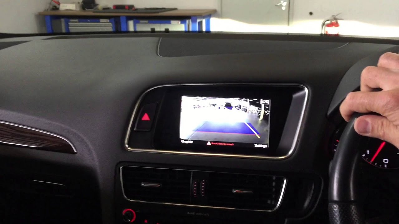 2012 AUDI Q5 8R INTEGRATED REAR VIEW CAMERA WITH DYNAMIC MOVING GUIDELINES - YouTube