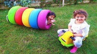 Öykü ve Masal Sihirli Renkli Tekerleklerin İçinde Kayboldu - Magic Colors Wheel Funny Kids Video