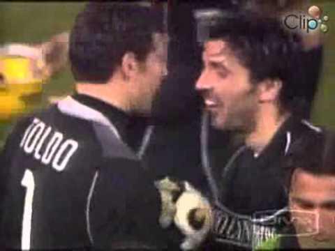 SanBong365 - Các pha bắt bóng của Buffon và Casillas