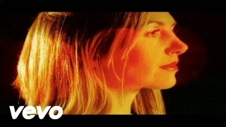 Watch Saint Etienne How We Used To Live video