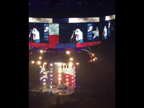 Cody Johnson Gets Emotional During Performance Of Texas Kinda Way (Houston Rodeo 2017)