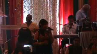 Ladies Sangeet Singer in Toronto....ambarsare de papad ve main khandi na