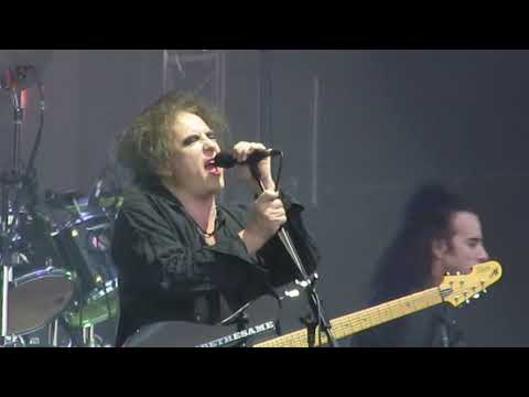 The Cure - Pictures Of You - Malahide Castle Dublin 8th June 2019
