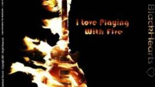 Kristen Stewart and Joan Jett- I Love Playing With Fire