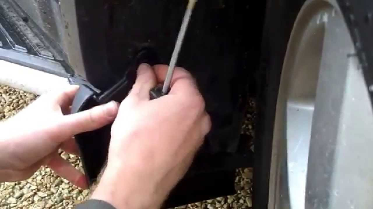 Land Rover Discovery Sport >> How to fit front mudflaps to a Land Rover Discovery 3 /4 ...