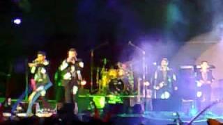 Presentacion y Quiero Que Seamos Novios   Los Players de Tuzantla VideoRola Zitacuaro 2009