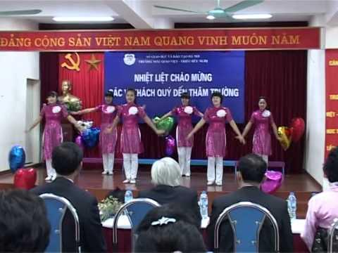 tập thể giáo viên trường mẫu giáo Việt Triều hữu nghị