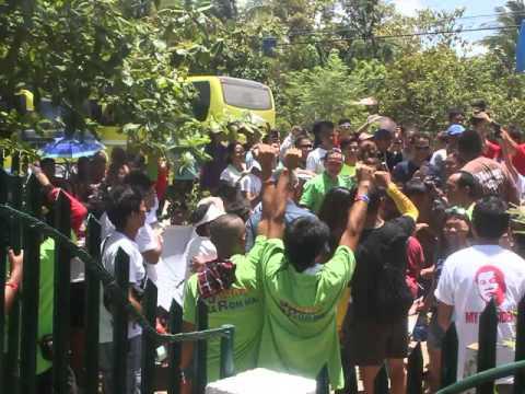 Byaheng Du30 JAGNA BOHOL - People chanting MVI 5406