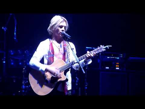 R5 (Ross Lynch) - Pass Me By (acoustic) - Live @ L'Olympia Paris 26.09.2015