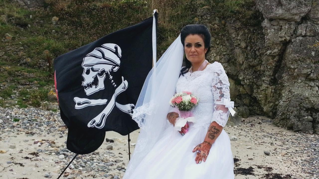 woman-who-married-300-year-old-ghost-pirate-says-the-relationship-is-over