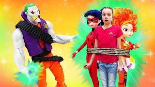Куклы против Джокера! —Новая серия: Охотники заигрушками— Видео для детей, куклы иигрушки